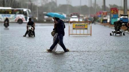 Tamil Nadu: Heavy rains bring Chennai traffic to grinding halt; 1 killed in wall collapse