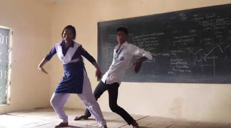 New Hindi Movei 2018 2019 Bolliwood: Watch: Two Students Convert Their Classroom Into A Dance