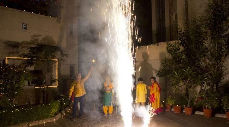 delhi pollution, delhi air pollution, delhi air quality, diwali in delhi, polluted diwali, express talk, indian express