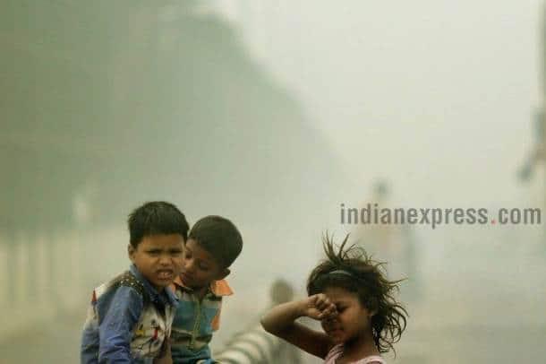 diwali 2017, delhi firecracker ban, delhi pollution, delhi pollution photos, delhi smog photos, firecracker ban pollution, sc firecracker ban, firecracker ollution, air pollution delhi last year, diwali 2016 pollution, delhi smog pics, delhi smog images, smog delhi latest pictures, indian express