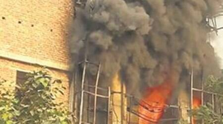 Delhi warehouse collapses after it catches fire