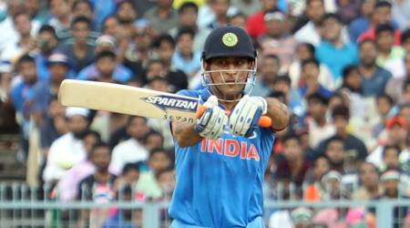 India vs New Zealand: MS Dhoni receives standing ovation at Wankhede, watch video