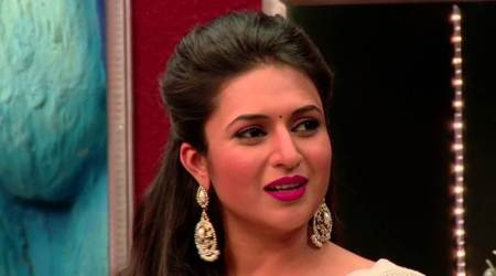 Divyanka Tripathi lashes out at an airline on social media in the most classy manner