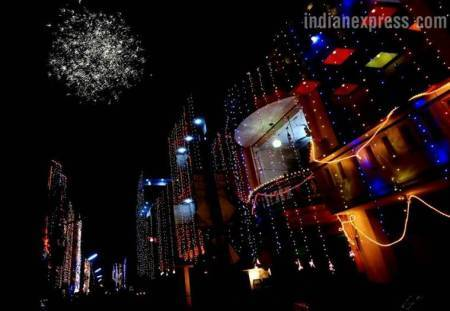 Diwali 2017, diwali images, diwali pictures, deepavali images, deepavali pictures, diwali festival, diwali in Lucknow, diwali in chandigarh, indian express,