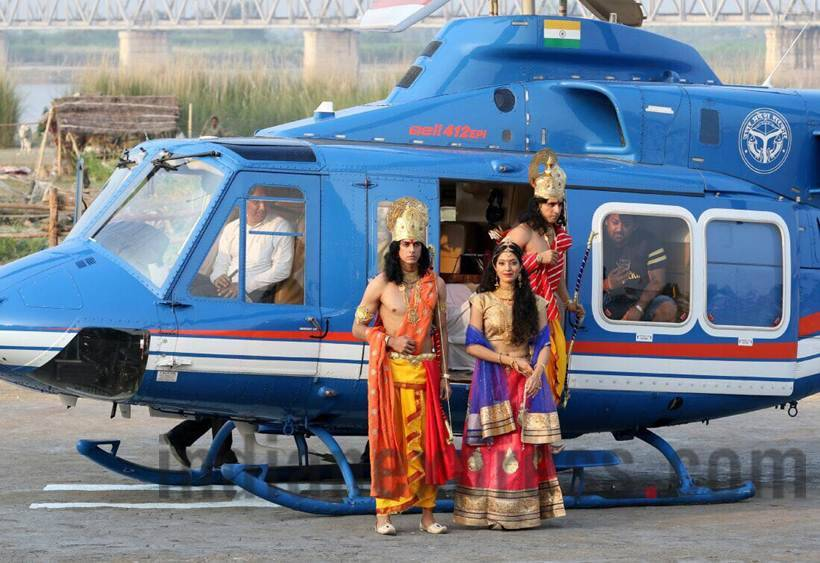 Yogi Adityanath, Diwali, Diwali 2017, Uttar Pradesh, Ayodhya, Ayodhya deepotsav, Ram rajya, Ayodhya grand diwali celebration, lord rama, yogi adityanath in ayodhya, Ayodhya photos, diwali photos, deepotsav photos, indian express photos