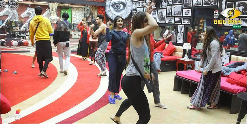 Exclusive Bigg Boss 11: Housemates Isolate Shilpa Shinde For Vikas Gupta!