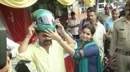 This is how UP Police celebrated Karva Chauth to ensure road safety inLucknow