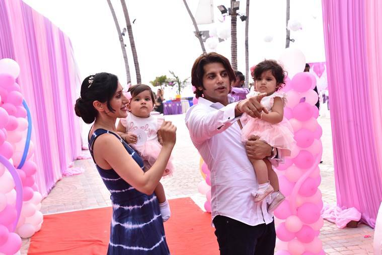 Karanvir Bohra, Teejay Sidhu, Karanvir Bohra daughter's birthday, Karanvir Bohra twins, Karanvir Bohra daughters first bithday photos, Karanvir Bohra news, Bella, Vienna, Bella Vienna first birthday, Teejay Sidhu daughters