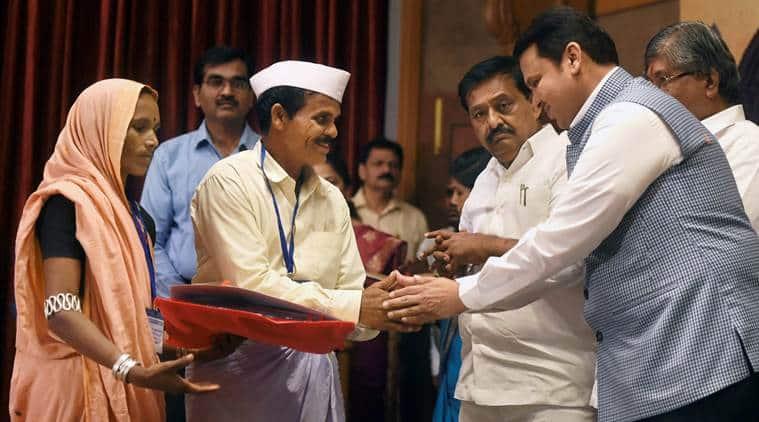 Maharashtra loan waiver, Maharashtra farmers, Maharashtra loan waiver scheme, Devendra Fadnavis, Farmer protest, India news, Indian Express
