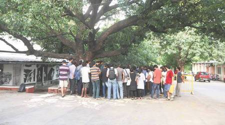 FTII heads for showdown between authorities, as students, send an 'open letter' to Anupam Kher