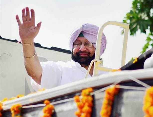 amarinder singh, gurdaspur polls 2017 photos, gurdaspur pics, gurdaspur election images, punjab congress pictures, gurdaspur bypoll photo, congress win in gurdaspur, sunil jakhar, navjot singh sidhu pics, punjab gurdaspur election, indian express