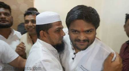 Hardik Patel meets Muslim community in Godhra, says not joining any politicalparty