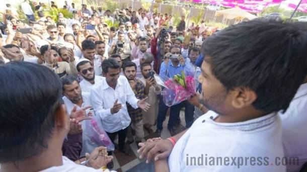 Hardik Patel, Hardik Patel Muslim leaders, Hardik Patel in Godhra, Gujarat Assembly Elections, Gujarat Elections, Patidar leader Hardik Patel, Hardik Patel Photos, Hardik Patel Godhra Photos, Gujarat News, Indian Express news
