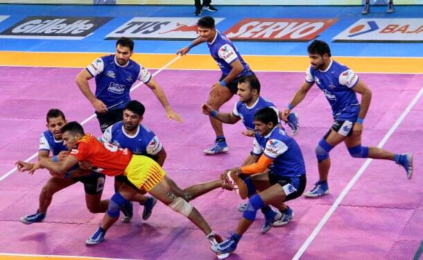 Pro Kabaddi 2017, Pro Kabaddi season 5, Gujarat Fortunegiants, Bengal Warriors, Patna Pirates, Puneri Paltan, Up Yoddha, haryana Steelers, kabaddi photos, Indian Express
