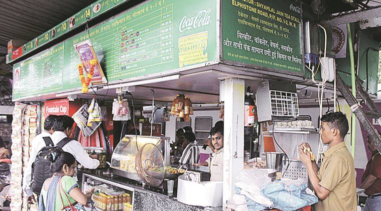 Western railway stations, Western railway stations stalls raided, Mumbai Central, Dadar, overpriced water bottles, mumbai news, latest mumbai news, indian express, indian express news