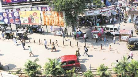 Hawkers to hold rally today in Mumbai demanding implementation of street vendors' rules