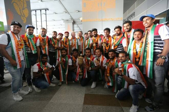 India hockey team gets hero's welcome on Asia Cup title return