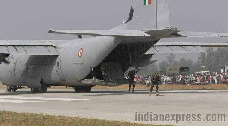 Agra-Lucknow Expressway, Indian Air Force, IAF touchdown, Uttar Pradesh IAF drill, Touch and Go Exercise, India news, Indian Express
