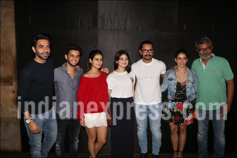 secret supertsar screening, dangal team, sanya malhotra, fatima sana shaikh, secret superstar screening images