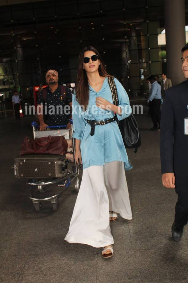 kriti sanon, kriti sanon airport look, bollywood airport