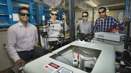 'Invisible glass' nanostructure can eliminate glare from smartphones