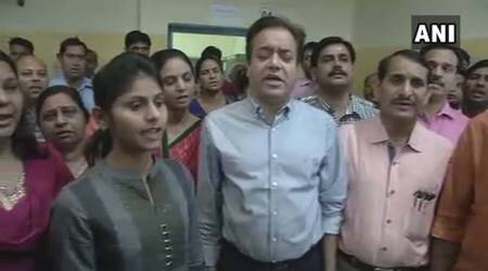 Jaipur Municipal Corporation staff begins day with national anthem, ends with national song