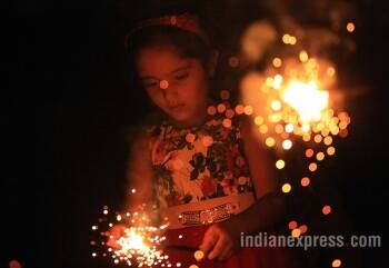 Happy Diwali 2017 Stunning Photos Of Diwali Celebrations With Lakshmi Puja Firecrackers And Diyas Lifestyle Gallery News The Indian Express
