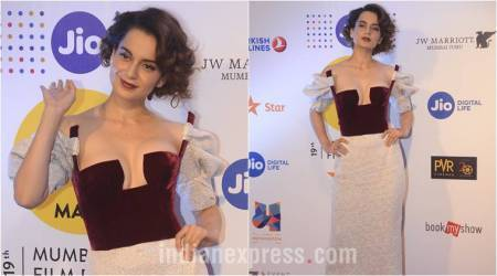 Kangana Ranaut looks bold and beautiful in a bicolour risqué dress at MAMI red carpet