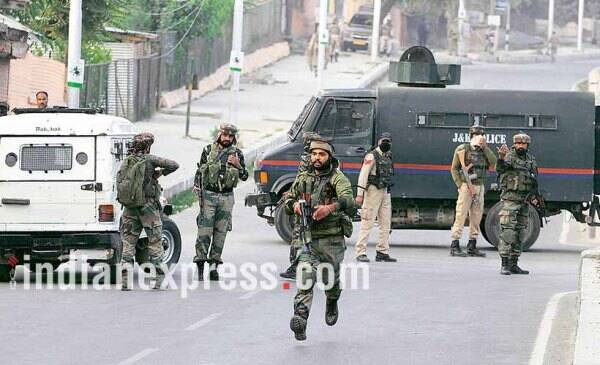 kashmir, bsf soldier killed, kashmir encounter, srinagar airport attack, indian express