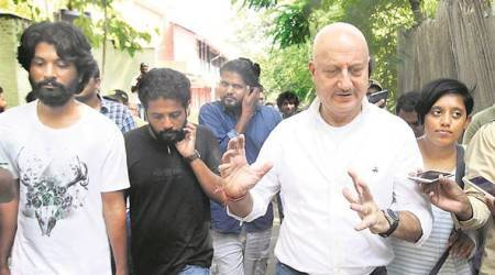 Anupam Kher's FTII visit ends, students say 'issuesunresolved'