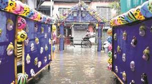 Rain disrupts life in Kolkata, more showers in next 24 hrs