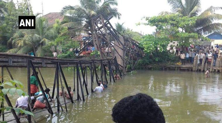 foot overbridge collapse, Kerala foot overbridge, Kerala overbridge collapse, kollam, India news, indian express news