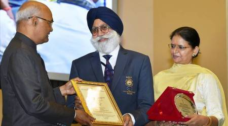 President Ram Nath Kovind presents Vayoshreshtha Samman to senior citizens