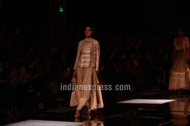 krishna mehta, aifw,suneet varma, suneet varma collection, AIFW Spring- Summer 2018, Sulakashna Monga, Charu Parashar, Amazon India fashion week, indian express, indian express news