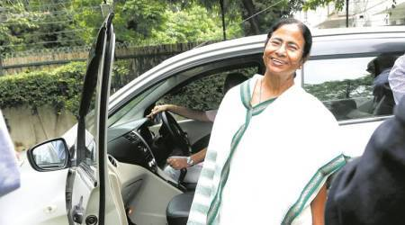 Mamata Banerjee visits ailing Buddhadeb Bhattacharjee at his house