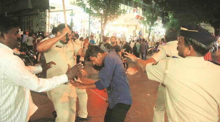 MNS divisional head thrashed by hawkers, admitted to hospital