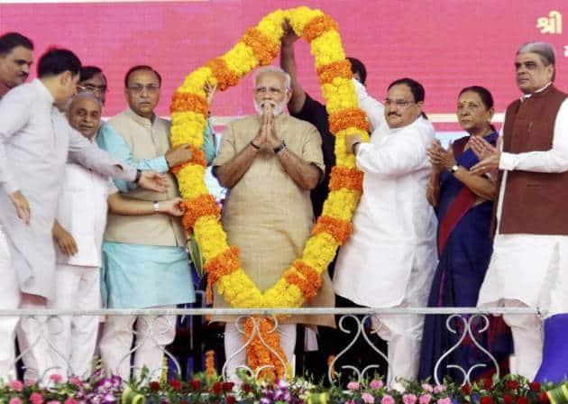 narendra modi, narendra modi hometown, narendra modi gujarat pictures, narendra modi vadnagar pictures, narendra modi in vadnagar, narendra modi gujarat visit, indian express
