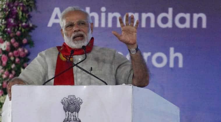 Narendra Modi, Narendra Modi gujarat visit, Narendra Modi gujarat visit live updates, Narendra Modi Vadnagar, Hatkeshwar temple,