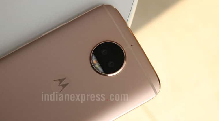 Motorola, Moto G5S Plus review, Moto G5S Plus camera, Moto G5S Plus dual camera, Moto G5S Plus performance, Moto G5S Plus price in India, Moto G5S Plus specifications, Moto G5S Plus features, Moto G5S Plus price