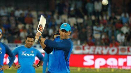 MS Dhoni, Virat Kohli, Rohit Sharma excite fans with left-handed batting, watch video