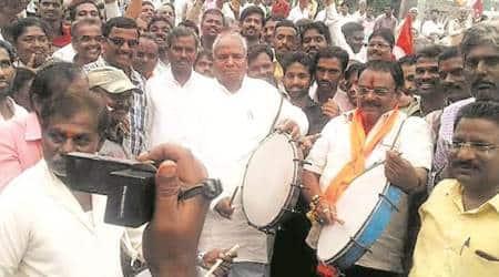 Solapur powerloom owners, Solapur powerloom owners strike, Solapur workers strike, Solapur powerloom workers strike, mumbai news, latest mumbai news, indian express, indian express news