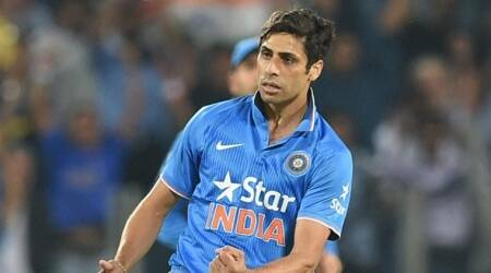Mitchell Johnson trolled on Twitter for banter involving Ashish Nehra