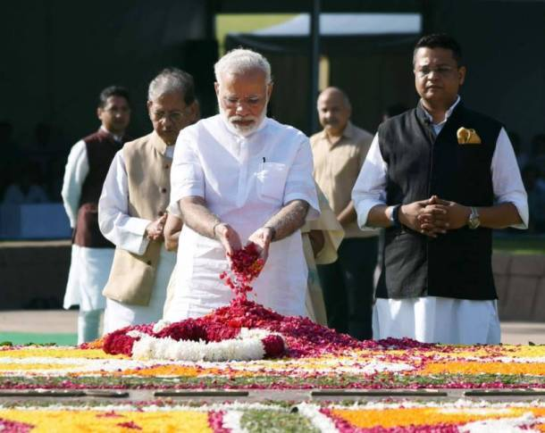 Gandhi Jayanti 2017: President Kovind, PM Modi pay tribute to the Mahatma