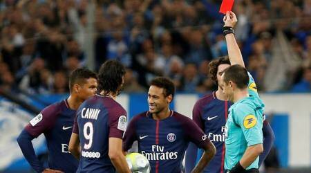 Edinson Cavani rescues PSG in 2-2 draw at Marseille