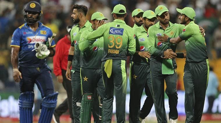 pakistan vs sri lanka live score, pak vs sl live score, live cricket score, live pak vs sl score, live pakistan vs sri lanka cricket match, pakistan vs sri lanka live, lahore, gaddafi stadium, 3rd T20I, cricket news, sports news, indian express