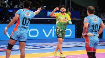 Patna Pirates to meet Gujarat Fortunegiants in final