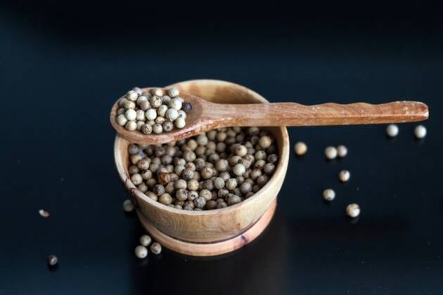 White pepper, white pepper health benefits, white pepper for eyesight, white pepper scrub, safed mirch for eyesight, safed mirch uses, indian express, indian express news