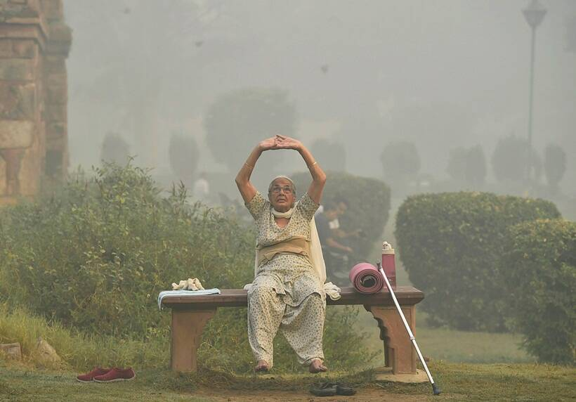 delhi air pollution, Diwali 2017, Delhi air quality, Delhi chokes, Delhi smog, smog, firecrackers ban, Supreme Court ban on crackers, #CrackerBanHitOrMiss, diwali pollution, delhi pollution, mumbai pollution