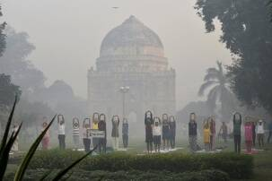 A day after Diwali, mist and shallow fog dips visibility inDelhi