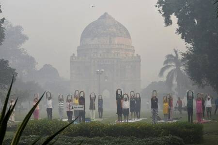 A day after Diwali, mist and shallow fog dips visibility in Delhi